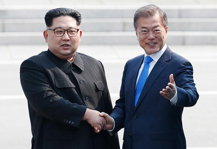 [남북정상회담] 남북정상 '역사적 첫 만남'